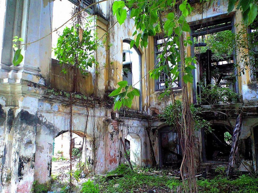 市街化調整区域廃墟感